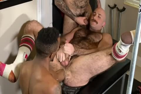 Interracial Fisting And bare Sextape