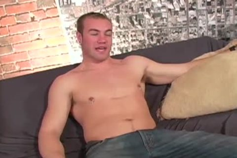 My cock is so thick that I can lick tthis guy love juice off